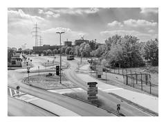 Die Stadt 345 (sw188) Tags: deutschland nrw ruhrgebiet westfalen dortmund tks sw stadtlandschaft street bw blackandwhite industrielandschaft industriegebiet