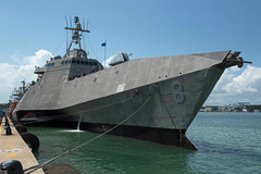 "USS Montgomery arrives at Changi Naval Base, Singapore for a rotational deployment (#PACOM) Tags: ussmontgomery lcs8 singapore changinavalbase usindopacificcommand ""usindopacom"