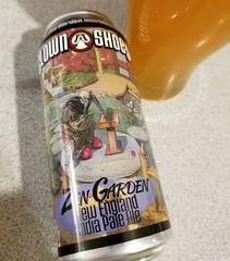 Zen Garden (Pak T) Tags: glass drink beverage ale can alcohol tmobile aluminumcan beerporn untappd samsunggalaxys8 boston garden massachusetts newengland zen harpoon ipa clownshoes