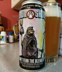 Don't Fear the Blender (Pak T) Tags: milkshake ipa clownshoes harpoon boston ale can aluminumcan alcohol beerporn glass beverage drink samsunggalaxys8 tmobile untappd smoothy mango pineapple puree guava