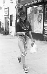 7xi-0701-015 (stephen sherman) Tags: film kentmere400 minolta7xl newyorkcity manhattan soho streetstyle asiangirl bnw