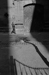 31 (mati.a) Tags: expresionism sombra shadows bw chile film 35mm nikon fm2 nikonfm2 kodak kodaktrix kodaktrix400 trix400 trix