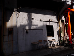 Café Noon (peaceblaster9) Tags: osaka 大阪 wall sun shadow café street 光 影 壁 ストリート light