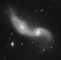 AM 1332-331 (geckzilla) Tags: hst hubble prop15446 15446 galaxies merging interacting tidal forces disk spiral tail