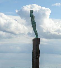 Voyage Friendship statue - Hull