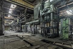 KV9A8172-HDR-2-1_DxO (wernkro) Tags: deutschland hdr maschinen pressen lostplace krokor urbexen hydraulikarm industrie hallen