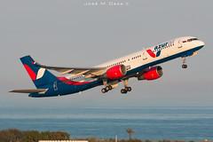 Azur Air B757-2Q8 VQ-BKF (José M. Deza) Tags: 20190703 azurair b7572q8 bcn boeing elprat lebl planespotting spotter vqbkf aircraft