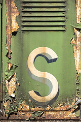 S (Geoff France) Tags: railway goodswagon rust paint peelingpaintstrathspey steam railwaygreencorrosiongoods yardrailway sidings