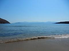 """""""Ωσπου τέλος ένιωσα κι ας πα' να μ' έλεγαν τρελό, πως από 'να τίποτα γίνεται ο παράδεισος..."""" ~Οδυσσέας Ελύτης~ (fl_mala) Tags: ilovegreece greece lifeisbetterontheisland cyclades parosisland paros beautifulcolours beautifulday bluesky beautifulsea sea wonderfulworld greekislands discovergreece traveltogreece travel"""