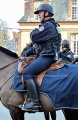 """bootsservice 19 2010885 (bootsservice) Tags: uniforme uniformes uniform uniforms bottes boots """"riding boots"""" eperons spurs cavalier cavaliers rider riders cheval chevaux horse horses gants gloves """"police nationale"""" police policier policiers policeman policemen fontainebleau"""