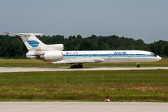 RA-85702 (PlanePixNase) Tags: aircraft airport planespotting haj eddv hannover langenhagen tupolev tu154 t154 krasair