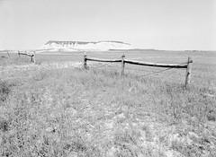 Badlands: Ridge (LarsHolte) Tags: pentax 645 pentax645 645n 6x45 smcpentaxa 35mm f35 120 film 120film analog analogue kosmo foto mono 100iso aph09 rodinal mediumformat blackandwhite classicblackwhite bw monochrome filmforever filmphotography ishootfilm larsholte homeprocessing usa southdakota badlands scenic highway sd44 landscape