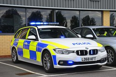 LD68 KFT (S11 AUN) Tags: humberside police bmw 330d touring anpr traffic car rpu roads policing unit 999 emergency vehicle ld68kft