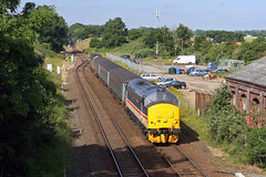 37419 Acle 5th July 2019 (John Eyres) Tags: 37419 carl haviland tnt 37407 approaching acle with 2p12 0836 norwich great yarmouth 050719