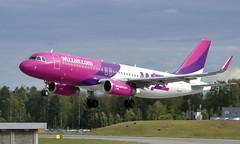 WizzAir HA-LYI, OSL ENGM Gardermoen (Inger Bjørndal Foss) Tags: halyi wizzair airbus a320 osl engm gardermoen
