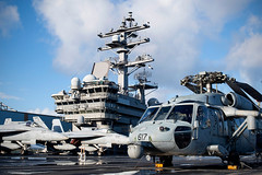 "F/A-18 Hornets and an E-2C Hawkeye sit on the flight deck of the USS Reagan during Talisman Sabre 19 (#PACOM) Tags: australia brisbane queensland ussronaldreagan australianarmy e2chawkeye australianairforce sh60seahawk ts19 talismansabreexercise talismansabre19 f18classichornet usindopacificcommand ""usindopacom"