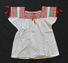 Mexican Blouse Nahua Puebla Xochitlan (Teyacapan) Tags: puebla mexican blusa blouses xochitlan embroidery ropa clothing nahua textiles