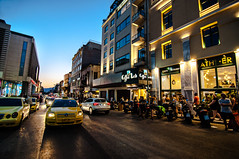 Athens By Night - Life Street - (VSeb Pictures) Tags: holidays greek hellenique hellénique grece grece grèce eλλάδα nearthenight athenes athens athenscity athenslife visitathens yellowtaxi taxi découverte discovery discoveryathens nearacropolis behindacropolis acropolis ακρόπολη αθήνα lifeinathens life streetlife realworld