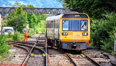 142010 @ Cardiff Queen St (A J transport) Tags: class142 pacer 142010 dmu diesel railway wales cardiff trains track train camera nikkon d5300 photo arrivatrainswales transportforwales sunny workman hiviz orange speed sign