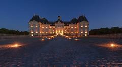 Château de Vaux le Vicomte (Didier Ensarguex) Tags: soiréechandelles châteaudevauxlevicomte nuit night heurebleue chandelles didierensarguex canon 5dmarkiv 2470l28 77 castle