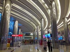 DUBAI AIRPORT (André Pipa) Tags: dubai dubaiairport arquitecturadubai dubaiarchitecture middleeast arabia unitedarabemirates uae emiradosárabesunidos arabicpeninsula persiangulf golfopérsico asia photobyandrépipa