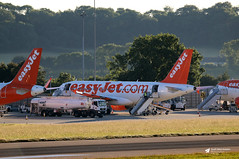 Main Apron, Bristol Airport, Lulsgate Bottom, Somerset (Kev Slade Too) Tags: airbus a320 a319 easyjet mainapron eggd bristolairport lulsgatebottom somerset