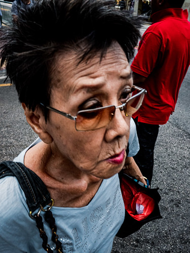 People in the streets of Singapore in July 19-32.jpg