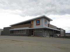 ALDI (Fargo, ND) (TheTransitCamera) Tags: retail retailer shop buy consumer chain aldi discount grocery supermarket fargo northdakota city