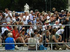 Publikum bei Konzert auf dem Bebelplatz (flohserver) Tags: berlin mitte bebelplatz konzert concert staatsoper unterdenlinden barenenboim dirigent conductor