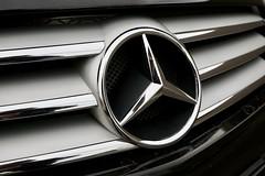 Mercedes SL500 grille (Joe Lewit) Tags: sports car variosonnart281635 mercedessl500