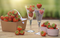 Summer... (KissThePixel) Tags: strawberry strawberries fruit glass ginandtonic gintonic tonic gin basketofstrawberries strawberrypicking red bokeh mygarden myhome garden home summer summerdays stilllife stilllifephotography tabletop tabletopphotography light sunlight sparkle