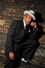 Man about town. (Lee Nichols) Tags: retrorob canoneos600d photoshop london vintagelook vintage classiclook homburghat homburg pinstripesuit pinstripe pinstripes
