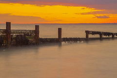 L'ultima barriera / The last barrier (Colwell Bay, Isle of Wight, United Kingdom) (AndreaPucci) Tags: isleofwight uk andreapucci sunset longexposure colwell bay