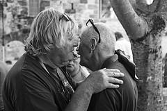 Friendship (lesphotosdepatrick) Tags: fujixlovers fujifilm x100f friendship hug blauzac blauzacjazzfestival candidshot emotions emotionnalphotography acrosfilmsimulation