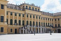 Shonnbrunn Palace (Val in Sydney) Tags: shon shonnbrunn palace wien austria autriche chateau castle