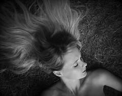 Garden reveries (RoryO'Bryen) Tags: femininebeauty beautifulwoman stefconner roryobryen copyrightroryobryen largeformat 4x5 fomapan iso400 rodinal selfdeveloped cambridge graden garden blackandwhite blancoynegro biancoenero noiretblanc film analoguephotography sheet grass hair cabello herbe