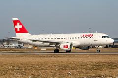 HB-IJI (PlanePixNase) Tags: aircraft airport planespotting haj eddv hannover langenhagen swiss airbus 320 a320
