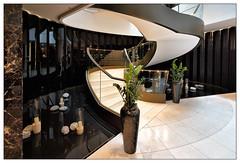Eleganz   elegance (frodul) Tags: berlin stair linie stairway treppe step staircase architektur gebäude stufe stairrail kurve konstruktion geländer gestaltung innenansicht