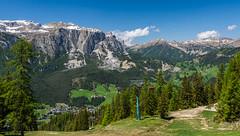 Blick  über Abtei Badia und den Naturpark Puez-Geisler (jürgenmilnik) Tags: italien italia dolomiten dolomiti puezguppe nikon nikond7200 sigma24105 landschaft landscape