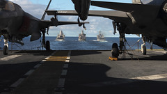 USS Wasp (LHD 1) transits behind ships during a replenishment-at-sea. (Official U.S. Navy Imagery) Tags: wasp usswasplhd1 lhd1 talismansaber talismansabre ts19 amphibious australia ussgreenbaylpd20 greenbay lpd20 usnsrappahannocktao204 tao204 ussashlandlsd48 ashland lsd48 tasmansea