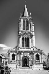 Eglise Saint Pierre (Vostok 911) Tags: vostok911 canon eos40d efs24mmf28stm nb noiretblanc bw blackandwhite monochrome église mont montfortlamaury 78 yveline
