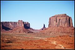 Monument Valley -Utah. (beingjoey) Tags: roadingtrippinwithbff favorite things