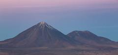 licancabur atardecer (Cristian Benaprés M) Tags: montañas chile canon mountais canon6d sanpedrodeatacama southamerica sunset atardecer shade landscape