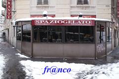 Nome appropriato (fr@nco ... 'ntraficatu friscu! (=indaffarato)) Tags: italia italy lombardia milano milan gelateria neve