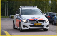 Dutch Police B 220 D. (NikonDirk) Tags: drive training amsterdam traffic politie nikondirk dutch nederland netherlands holland nikon cop cops hulpverlening controle mercedes benz b 220 xp002r