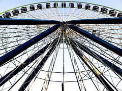 Grande Roue Ferris Wheel at La Ronde (Montreal) (MassiveKontent) Tags: amusementpark rides amusementparkride park recreation vintage amusement fairground carnival summer laronde carousel architecture attraction big