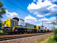 LINΞΛS 513-10 met dolimetrein (+ 7782 & 7774 achterop) @ Bilzen (Avinash Chotkan) Tags: lineas hld7778 dieselpower nedmag trains belgium cargo
