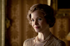 Kate Phillips as Mary, Princess Royal & Countess of Harewood in DOWNTON ABBEY (djabonillojr.2008) Tags: downton abbey movie film stills 2019 michael engler julian fellowes 1920s 1927 1920 era period motion picture version actress british english focus features theatrical k princess royal countess harewood kate phillips character royalty