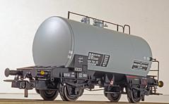 ESU Kesselwagen #36228 DB Ep. IId/IIIa (willberghoff) Tags: esu cisterne deutz deutschebundesbahn deutschereichsbahn h0 benzinundbenzolvertrieb aral 187 sonyalpha6400 a6400 ilce6400 selp1650 kesselwagen westwaggon