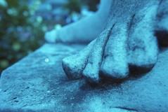 Toes (Alice_argentique) Tags: filmisnotdead filmisalive filmphotography outdoorphotography ishootfilm femalephotographer kono dubblefilmpacific